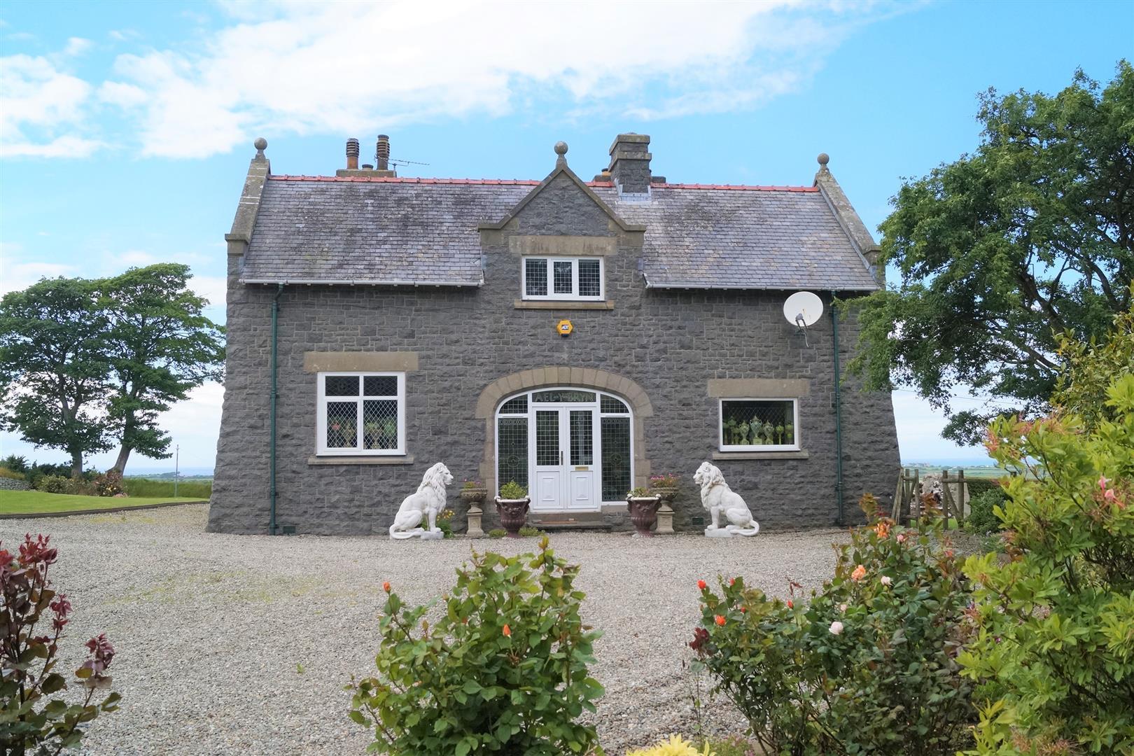 Dinas, Pwllheli - £450,000